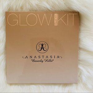 Anastasia Beverly Hills Sundipped glowkit palette
